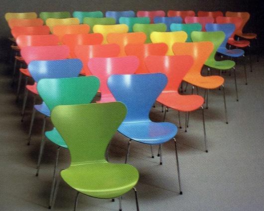 Arne Jacobsen No. 3107 stolac