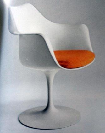 Eero Saarinen No. 150 stolac